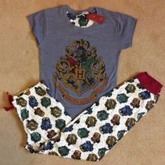 HARRY-POTTER-Hogwarts-Crest-Womens-PJS-Pyjamas-Set-Gryffindor-Slytherin-Primark