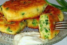 Pancakes on kefir with green onions # food recipes Ukrainian Recipes, Russian Recipes, How To Cook Pancakes, Savory Pastry, Good Food, Yummy Food, Cooking Recipes, Healthy Recipes, Kefir