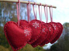 corazones rojos - fieltro