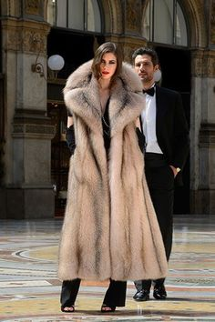 fur fashion directory is a online fur fashion magazine with links and resources related to furs and fashion. furfashionguide is the largest fur fashion directory online, with links to fur fashion shop stores, fur coat market and fur jacket sale. Fur Fashion, Fashion Photo, Winter Fashion, Fox Fur Coat, Fur Coats, Sleeveless Coat, Fabulous Furs, Fur Jacket, Mink Vest