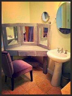 DIY Pallet Wood Distressed Gray Corner Makeup Vanity with mirrors - I like the mirrors on this one