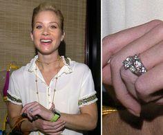 Pin for Later: Die schönsten Eheringe der Stars Christina Applegate Christina Applegate erhielt ihren Verlobungsring von Jonathan Schaech.