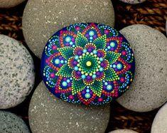 3.2x2.8 de pouce à la main peint mandala sur Pierre roche/mandala rivière par Katy