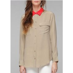 Tailored shirt with colored collar