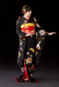 KIMONO(引き振袖) wear at a wedding ceremony.