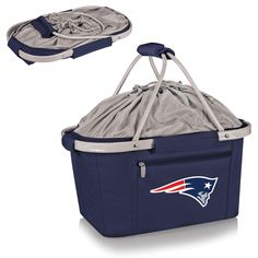 The New England Patriots Metro Basket is a fully-collapsible and lightweight insulated basket great for tailgating, the beach or about any other occasion. It's made of durable 600D polyester canvas an