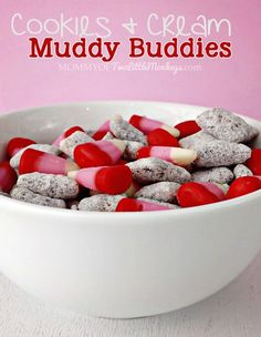 Valentine's Day Cookies & Cream Muddy Buddies -