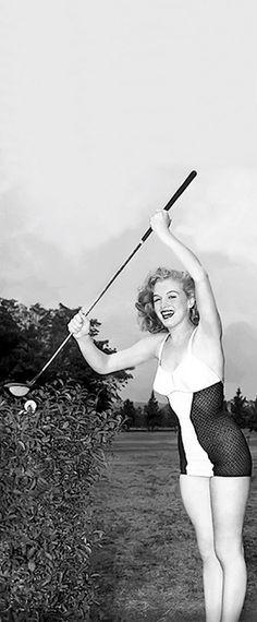 Marilyn at a Fox Studio Club Annual Golf Tournament, 1947.