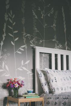 Hannah Nunn: In The Tall Grass Wallpaper in silver