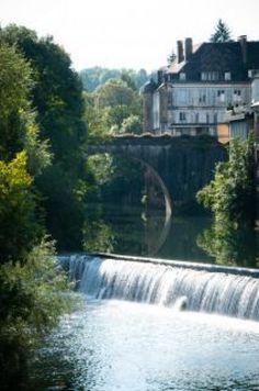 Françaises village fleuve