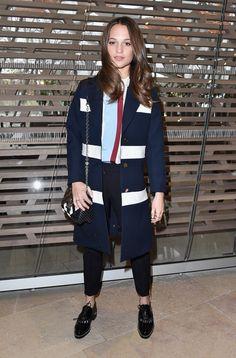 Alicia Vikander au défilé Louis Vuitton.