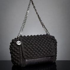 Chic & Unique by V&R Popcorn Stitch, Knit Crochet, Crochet Bags, Light Beige, Chanel, Shoulder Bag, Knitting, Chic, Unique