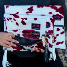 Discount Airfares Through The USA To Germany - Cost-effective Travel World Wide Makeup Junkie - Makeup Junkie Bags In Maroon Out Travel Must Haves, Travel Makeup, Summer Tops, Makeup Junkie, Winter Fashion, Graphic Tees, Purses, My Style, Fashion Trends