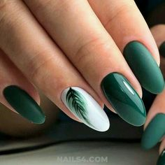 September Nail Colors / Gorgeous & Cutie Gel Manicure Creative Nail Designs for Short Nails to Create Unique Styles. White Gel Nails, Dark Green Nails, Green Nail Art, Cute Acrylic Nails, Acrylic Nail Designs, Cute Nails, Pretty Nails, My Nails, Gel Manicure Designs