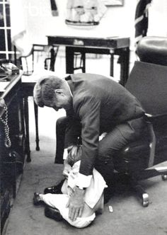 A moment of relaxation for President Kennedy and his much-loved son John Junior.  Date Photographed:May 25, 1962.❤❤❤❤ http://en.wikipedia.org/wiki/John_F._Kennedy     http://en.wikipedia.org/wiki/John_F._Kennedy,_Jr