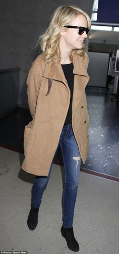 emma stone, airport style
