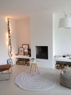 Corner Fireplace Ideas for Your Living Room to Improve Home Interior Visual Fireplace Bookshelves, Home Fireplace, Living Room With Fireplace, Fireplace Design, Fireplace Ideas, Home Living Room, Interior Design Living Room, Living Room Decor, Interior Bohemio