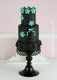 Cakes Haute Couture - Pasteles de Alta Costura - Pretty sure I pinned this one already, but I like it enough to pin again.