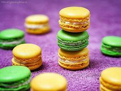 Pistáciové a citronové makronky Macarons, Cantaloupe, Food And Drink, Easter, Fruit, Blog, Lemon, Easter Activities, Macaroons