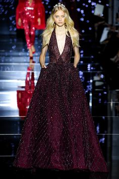 Shimmering couture Zuhair Murad princesses in detailed gowns and the occasional detailed jumpsuit. See the Zuhair Murad Haute Couture F/W 2015 show below: Haute Couture Style, Couture Mode, Couture Fashion, Runway Fashion, Paris Fashion, Couture 2016, Gowns Couture, Fashion Week, Fashion Show