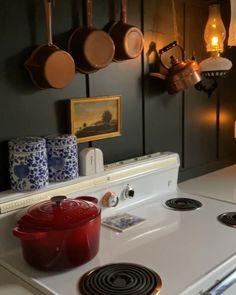 Farmhouse Design, Farmhouse Table, Farmhouse Decor, Green Kitchen, Kitchen Decor, Colonial Kitchen, White Kitchen Cabinets, Vintage Kitchen, Kitchen Remodel