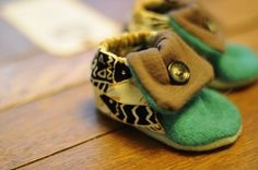 baby shoes from recycled material
