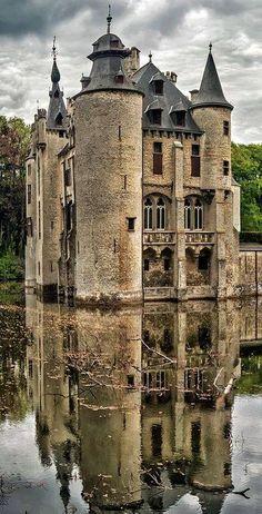 Vorselaar Castle, Belgium *m. Vorselaar Castle, Belgium also known as Borrekens Castle, was built around 1270 by a member of the Van Rotselaar family. Abandoned Castles, Abandoned Mansions, Abandoned Buildings, Abandoned Places, Abandoned Belgium, Haunted Places, Beautiful Castles, Beautiful Buildings, Beautiful Places