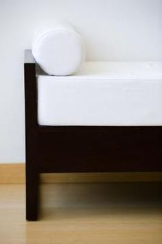 Turning a bed into a sofa, the easy way