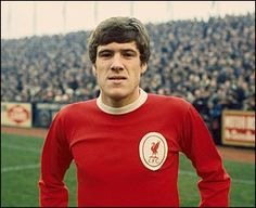 Emlyn Hughes started his professional career with Blackpool in but made only 28 league appearances there before moving to Anfield in 1967 for a transfer fee of Ynwa Liverpool, Liverpool Legends, Liverpool Football Club, Liverpool Players, Free Football, Retro Football, Football Soccer, School Football, Football Shirts