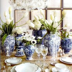 For the love of ginger jars! #blueandwhite #chinoiserie #gingerjars @onekingslane