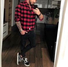 50 Ideas De Moda Con Jeans Para Hombres Vans Outfit Men, Plaid Shirt Outfits, Casual Shirts, Casual Outfits, Men Casual, Street Style Outfits Men, Mode Sombre, Masculine Style, Gentleman Style