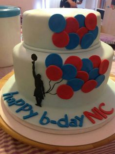 Basketball player cake with a message of blue and red good dreams