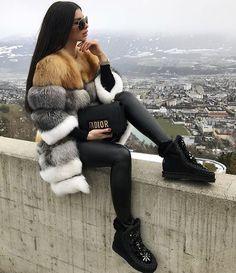 46 ideas womens fashion dressy winter coats for 2019 Winter Fashion Outfits, Fur Fashion, Look Fashion, Autumn Winter Fashion, Trendy Fashion, Winter Outfits, Womens Fashion, Winter Chic, Fashion Styles