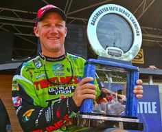 Brent Chapman brings home the trophy for the Toledo Bend Battle in Many, La. 2012 Elite Series Toledo Bend Battle Toledo Bend Reservoir - Many, La., Jun 7 - 10, 2012.
