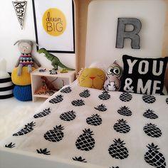 Pineapple Blanket Cream/Black, SpearmintLOVE.com