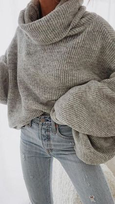 b041465a67918 oversized turtleneck sweater levis skinny jeans outfit for women