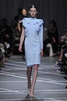 Tendências Semana de Moda de Paris – Primavera/Verão 2013: Dia 06 http://www.modalogia.com/2012/10/01/tendencias-semana-de-moda-de-paris-primaveraverao-2013-dia-06/
