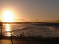 Byron Bay is a coastal town in the Northern Rivers region of New South Wales, located just off the Pacific Highway, approximately 800 km north of Sydney and 175 km south of Brisbane. Pacific Highway, New South, Byron Bay, South Wales, Brisbane, Coastal, River, Celestial, Sunset