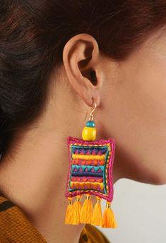Diy Fabric Jewellery, Fabric Earrings, Textile Jewelry, Boho Jewelry, Jewelry Crafts, Jewelry Art, Beaded Jewelry, Fashion Jewelry, Tribal Earrings
