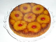 Bolo de Ananás (4) Tapas, Pineapple, Peach, Fruit, Food, Best Cake Recipes, Egg Yolks, Cake Receipe, Birthday Cakes