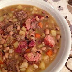 Greenway36: weiße Bohnensuppe mit ordentlich viel Suppenfleisch und Mettenden
