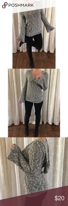 Roxy Bell Sleeve Knit Hoodie, XS Roxy bell sleeve hooded pullover. Size XS. Kangaroo pocket. Gently worn, small hole in the neckline as pictured. Overall good condition. Cozy, comfy, + cute. Roxy Sweaters