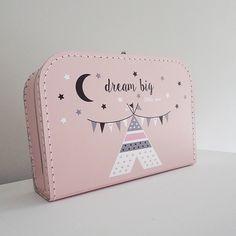 Koffertje roze, Dream big little one.