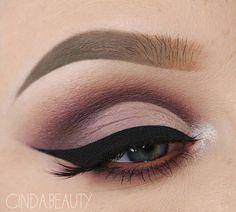 Gorgeous eye makeup – – Anna Olson – - Make Up Ideas Dramatic Wedding Makeup, Dramatic Eye Makeup, Eye Makeup Art, Makeup For Green Eyes, Smokey Eye Makeup, Bridal Makeup, Beauty Makeup, Hair Makeup, Dramatic Eyes
