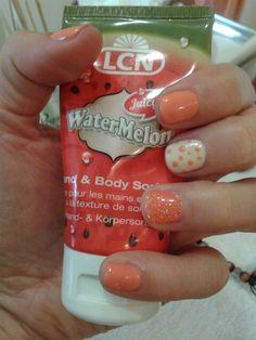 Estate lcn- nails