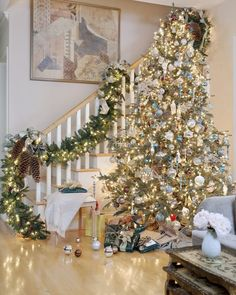 Merry #Christmas #decor #staircase  #ChristmasTree