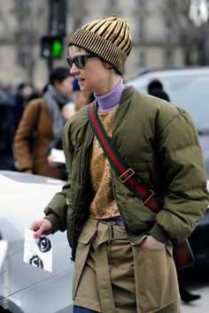 Paris – Rue de Saint Petersbourg. #AW16, #Fashion, #FashionWeek, #FW16, #Moda, #Mode, #Paris, #PFW, #ReadyToWear, #Street, #StreetStyle, #Style, #Woman, #Women Photo © Wayne Tippetts