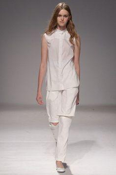 Ksenia Schnaider Kiev Spring 2016 Collection - Vogue
