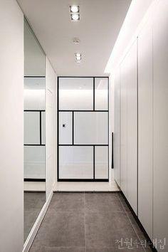 요즘, 중문(中門) 이미지 12 Apartment Entrance, House Entrance, Apartment Interior, Home Interior, Modern Interior Design, Interior Architecture, Interior And Exterior, Modern Entrance, Entrance Design