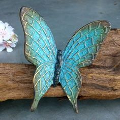 Butterfly bronze turquoise 11 x 12 cm Butterfly bronze turquoise 11 x 12 cm, Ceramic Angels, Ceramic Birds, Ceramic Flowers, Ceramic Art, Wood Butterfly, Fire Art, Bronze, Sculpture Clay, Clay Art